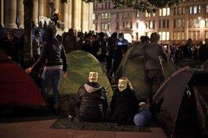 Indignados passaram a noite acampados