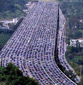 Engarrafamento? Não. Desfile dos 35.973 carros encalhados na justiça lenta