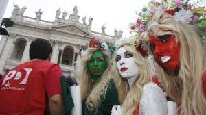Feministas da Femen contra Berlusconi