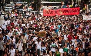 Manifestação estudantil contra a polícia de Alckmin