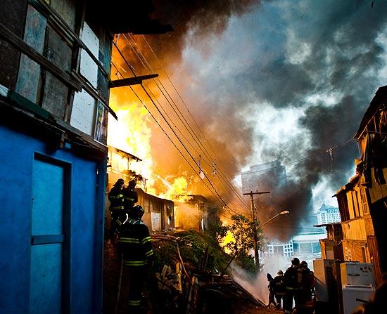 ncêndio na favela Real Parque