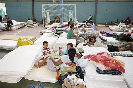 Abrigo da Prefeitura para os retirados, na marra, de Pinheirinho.