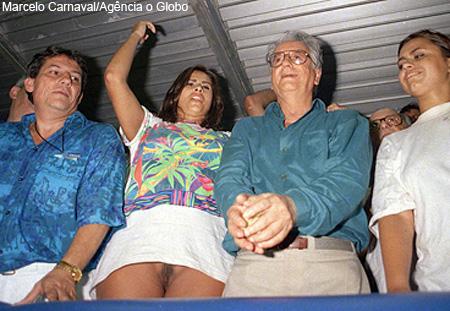 Itamar Franco num camarote do carnaval do Rio