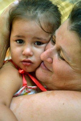 Criança espancada e expulsa do Pinheirinho. Sua moradia foi demolida.  Onde ela está agora desembargador Ivan Sartori?