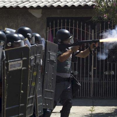 Polícia comandada por Ivan Sartori invade comunidade de Pinheirinho