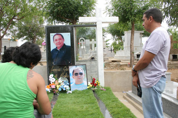 O túmulo do radialista F. Gomes, em Caícó, Rio Grande do Norte
