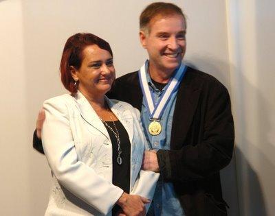 Casal XX é Barra. Carla Machado condecorou Eike Batista com medalha de ouro pelos benefícios recebidos de São João