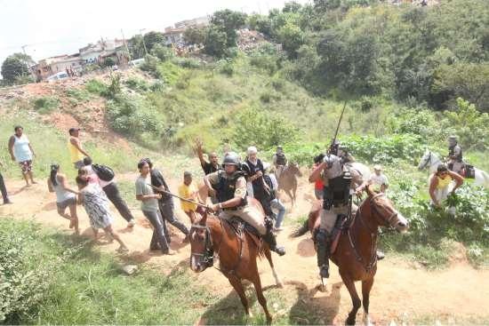 Cavalaria montada no povo de Belo Horizonte