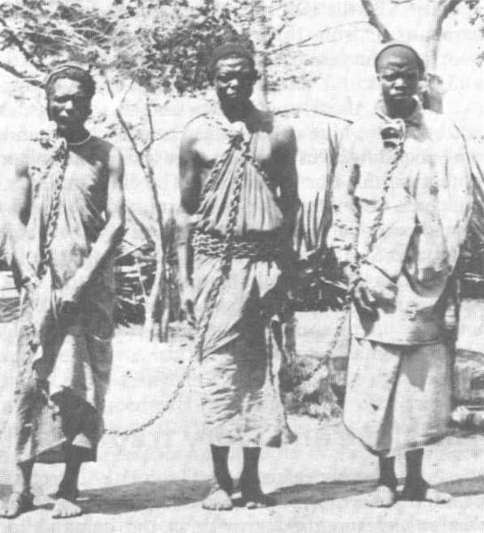 Na Etiópia, em 1930, havia dois milhões de escravos, numa população estimada entre 8 e 16 milhões de pessoas