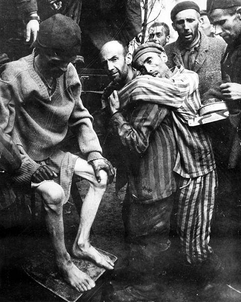 Na Alemanha, até 1945, existiam milhões de escravos orinários de vário países da Europa