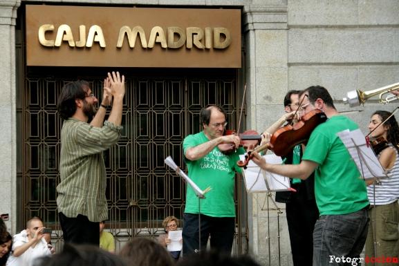 Um alegre protesto em Madri