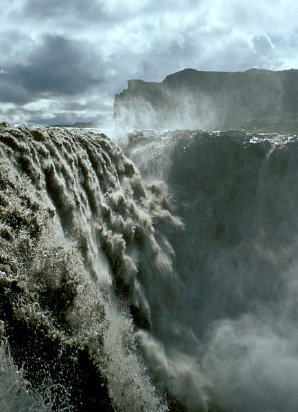 Dettifoss, a maior queda d'água da Europa, localizada no nordeste islandês