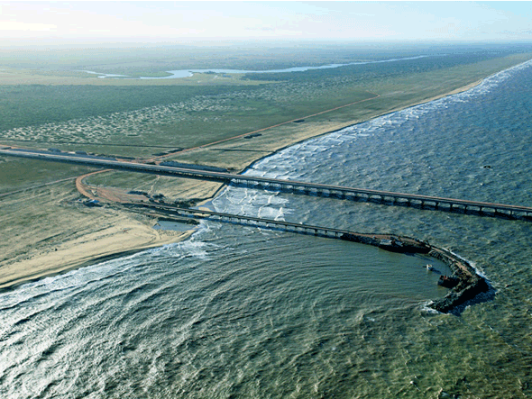 Projeto do porto de Açu, que destruirá quilômetros e quilômetros de praias