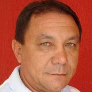 """O desfecho das investigações sobre o assassinato do jornalista e radialista Francisco Gomes de Medeiros, 48, apontou que o crime foi encomendado por um grupo de quatro pessoas, que teria feito uma espécie de """"vaquinha"""" para arrecadar o valor de R$ 8.000 e pagar um pistoleiro para realizar o assassinato. F. Gomes, como era conhecido o jornalista na região do Seridó, foi morto a tiros no dia 18 de outubro de 2010, na cidade de Caicó (a 282 km de Natal).  Segundo a polícia o motivo do crime seria porque os mandantes não gostavam do lado atuante do jornalista, que fazia denúncias constantes contra pessoas que praticavam crimes de diversas naturezas ou estavam envolvidas em irregularidades, e eram publicadas em blog pessoal e veiculada em emissoras de rádio."""