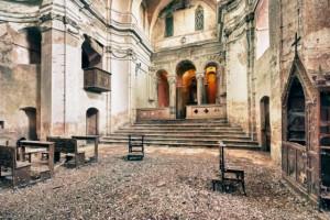 Una de las muchas iglesias abandonadas en Europa