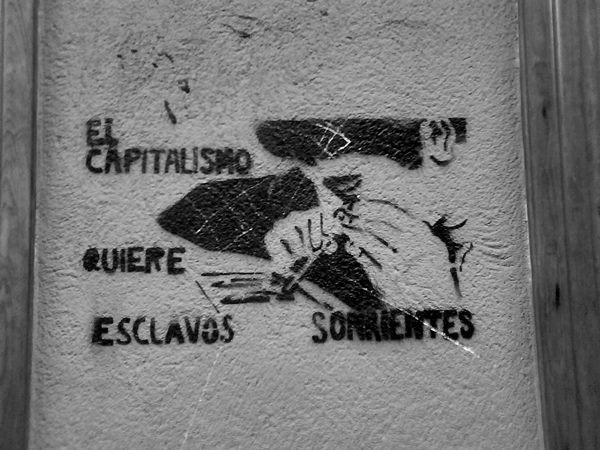 capitalismo droga tráfico indignados