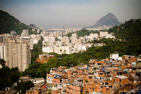 Sujou. !. 100 favelas dominadas pelos tafricantes e redutos de drogados