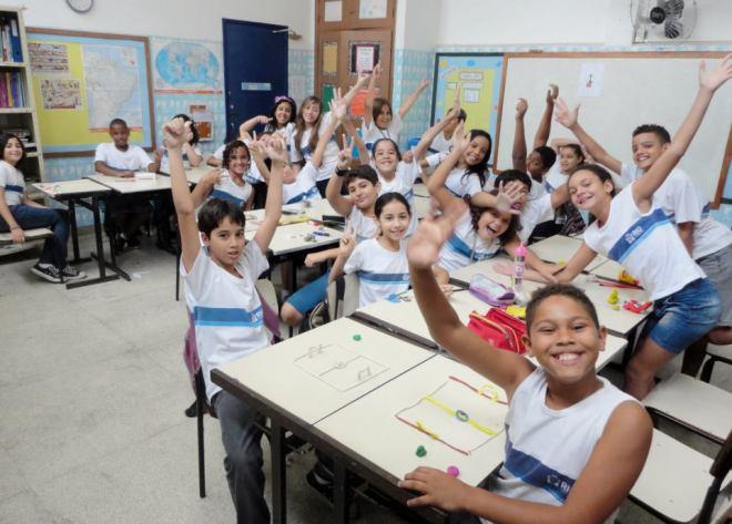 alunos na sala de aula