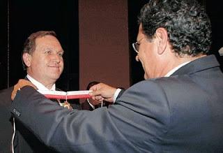 Antero Mânica, depois de comandar a chacina, foi condecarado pela Assembléia Legistiva de Minas Gerais