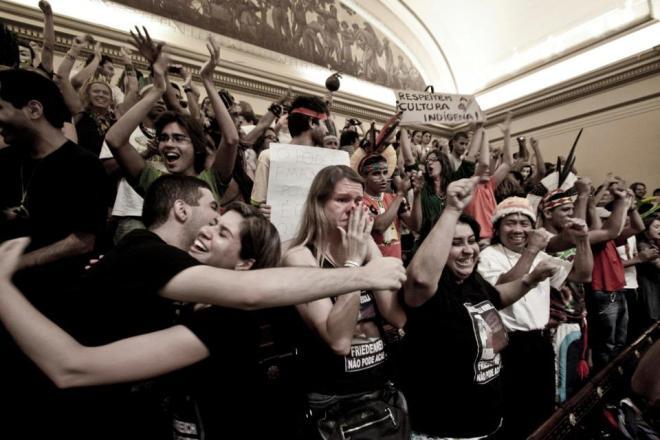 Manifestação na Câmara Minicipal contra a passividade do prefeito do prefeito Eduardo Paes e cumplicidade da Câmara Municipal do Rio de Janeiro