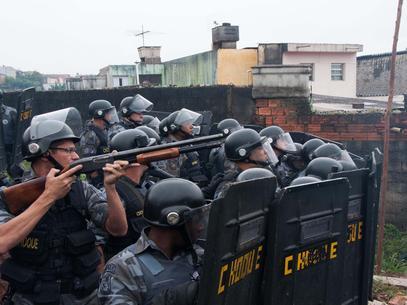 A polícia tucana de Alckim perdeu o primeiro despejopara um prefeito petista