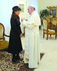 La presidenta Cristina Kirchner y el papa Francisco compartieron un almuerzo privado en la residencia de Santa Marta