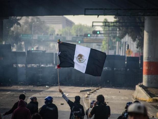 Protesto estudandil no México