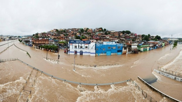 chuva-enchente-belo-horizonte-minas-gerais-20111216-size-598