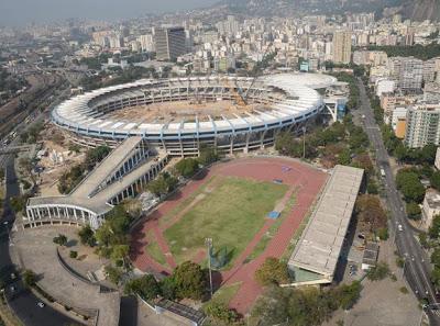 Sérgio Cabral e Eduardo Paes pretendem, para doação, demolir todos os edifícios que rodeiam o Maracanã (T.A.)