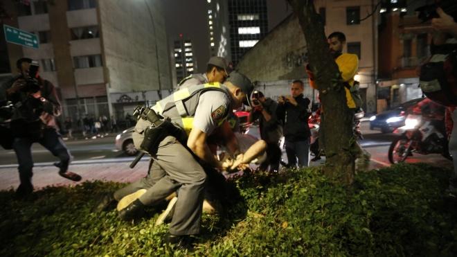 A bandidagem solta e a polícia de Alckmin competente demais para predner estudantes e jornalistas