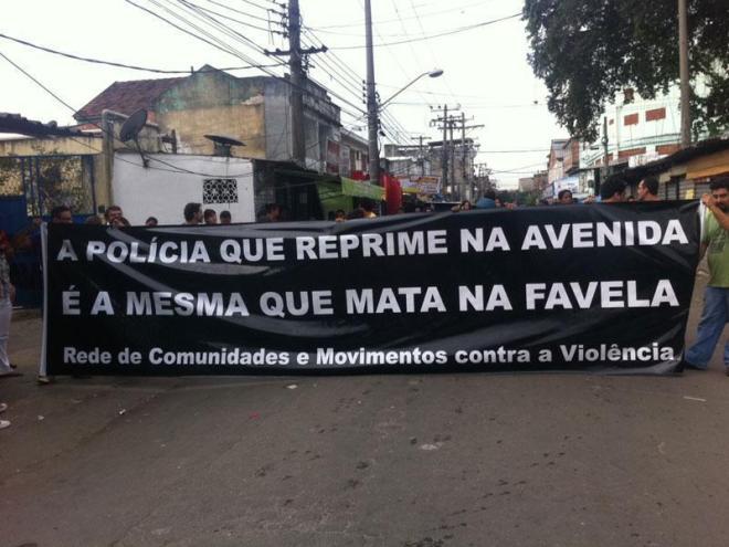 Polícia favela nove mortos