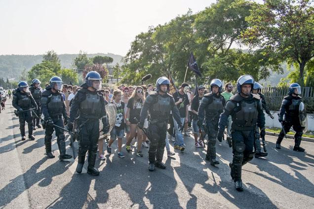 Lisboa: Manifestantes cortam Autoestrada