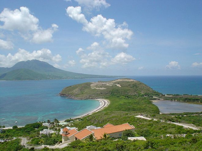Vista de Nevis, a partir de São Cristovão