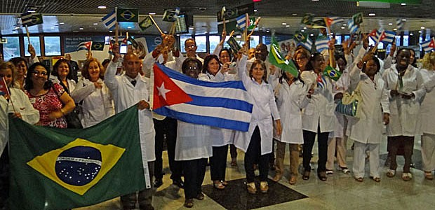 O desembarque dos médicos cubanos