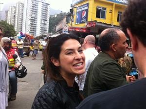 Fernanda Paes Leme também foi prestar solidariedade (Foto: Cristiane Cardoso/G1)