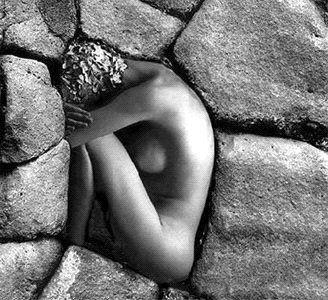 indgnados feminismo pedra