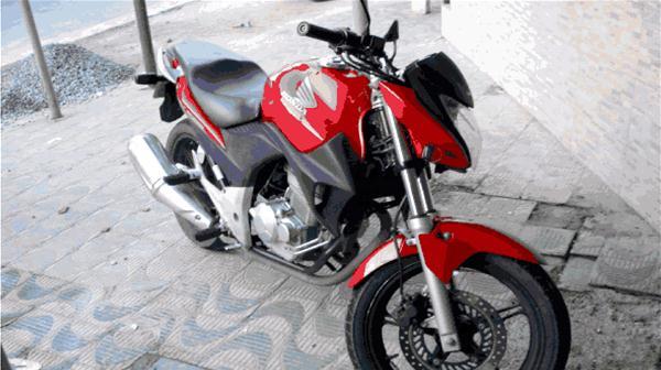A moto CB 300 utilizada no assassinato de Rodrigo Neto foi trocada por outra com um amigo  para praticar a execução de Walgney Carvalho
