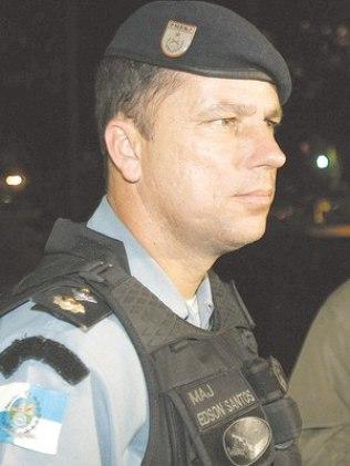 """Major Edson Santos, comandante da quadrilha que matou Amarildo e """"pacificador"""" da Rocinha"""