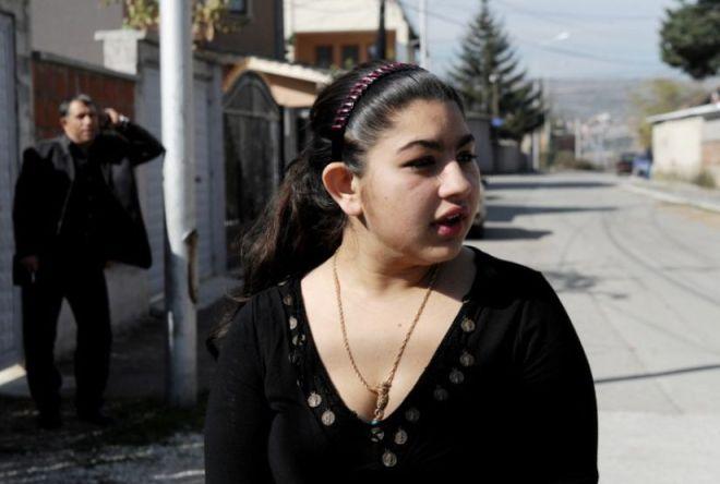 Leonarda Dibrani, 15 ans, le 20 octobre. (Photo Armend Nimani. AFP)
