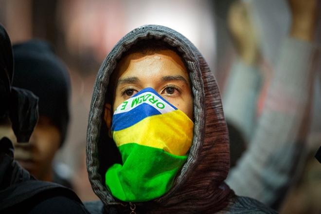 protesto jovem estudante