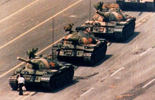 Destemor-não-à-tirania-viva-a-liberdade.