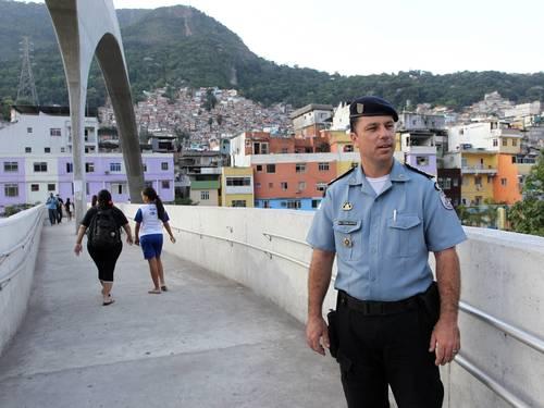 Major Edson Santos, donatário da Rocinha, nomeado por Sérgio Cabral, enterrou Amarildo em um cemitério clandestino