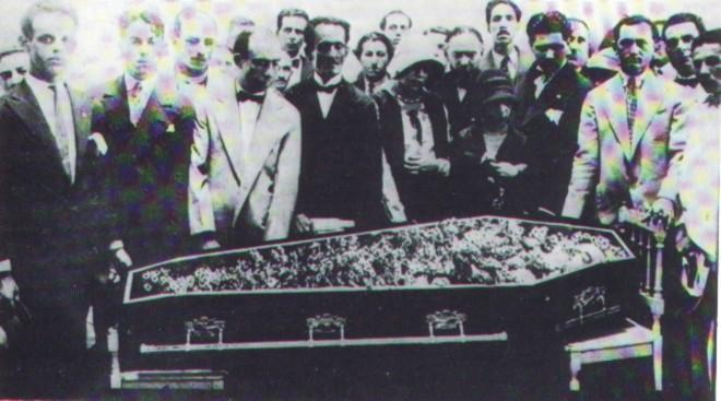 Velório de João Pessoa (em João Pessoa ou Rio de Janeiro) foi a propaganda fúnebre da revolução de Trinta