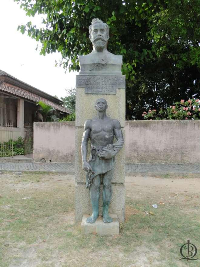Busto de José Mariano no Poço da Panela