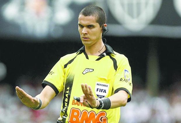 Ferro e fogo. Ricardo Marques Ribeiro se sentiu ofendido com a charge de Duke