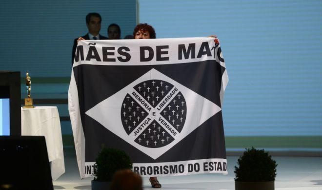 """Prêmio Direitos Humanos 2013 foi entregue pela presidenta Dilma Rousseff, que reconheceu que """"a tortura continua existindo em nosso país"""". Foto Fabio Rodrigues Pozzebom / Agência Brasil"""