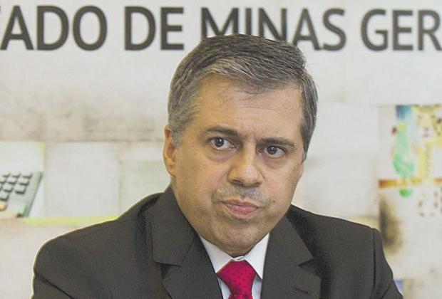 """Durval Ângelo: O """"promotor André Pinho (foto acima) não tem isenção para atuar no caso, é suspeito"""""""