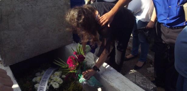 """""""Nós acabamos de enterrar nosso pai, o marido da Cristina. O coronel, o tirano, fica para vocês"""", disse Karla Malhães, uma das filhas do coronel"""
