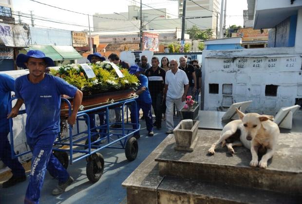 Coronel foi enterrado na tarde deste sábado