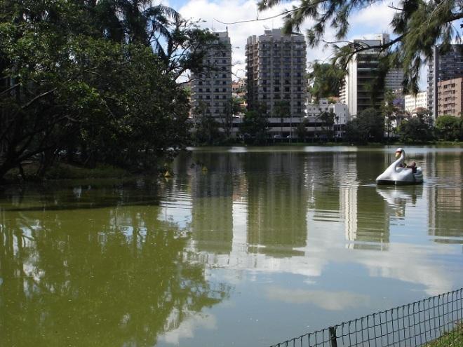 Polo regional de saúde, educação e serviços, município precisa controlar expansão urbana para não afetar áreas de recarga da água mineral (Foto- Marina Almeida)